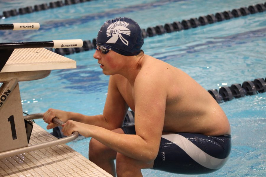 Swim and Dive Team Stay Connected Through Zoom